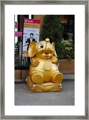 Chang Stateu - Piazza Palio - Khaoyai Thailand - 01131 Framed Print