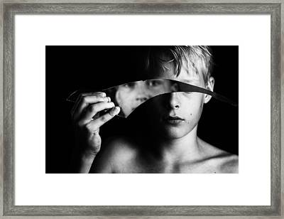 Changing Face Framed Print by Mirjam Delrue