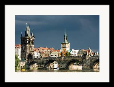 Karluv Most Framed Prints