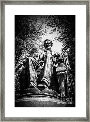 Chicago Abraham Lincoln Sitting Statue Black And White Framed Print by Paul Velgos