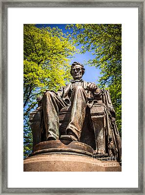 Chicago Abraham Lincoln Sitting Statue Framed Print