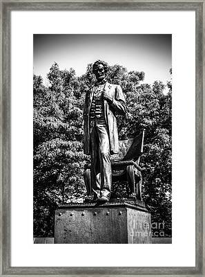 Chicago Abraham Lincoln Statue In Black And White Framed Print