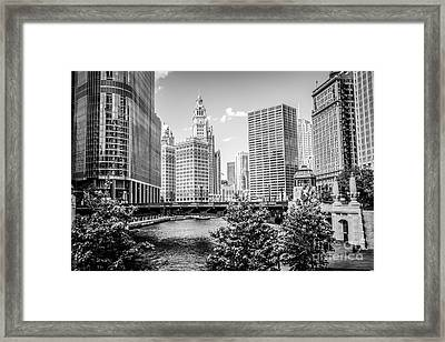 Chicago At Wabash Bridge Black And White Picture Framed Print by Paul Velgos