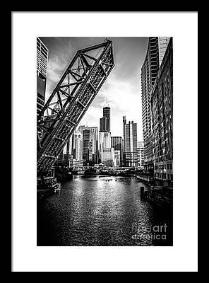 Chicago Black And White Framed Prints