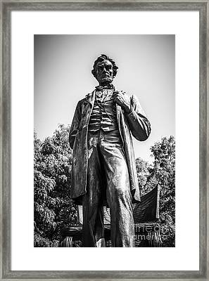 Chicago Lincoln Standing Statue In Black And White Framed Print