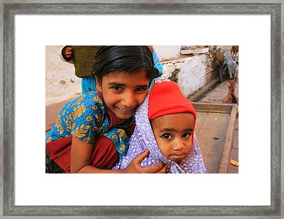 Children In Orchha India Framed Print by Amanda Stadther