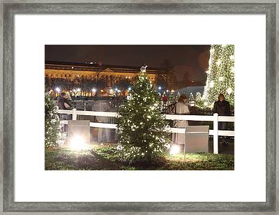 Christmas At The Ellipse - Washington Dc - 01132 Framed Print by DC Photographer