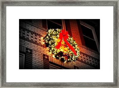 Framed Print featuring the photograph Christmas Wreath On Bronx Walk-up by Aurelio Zucco