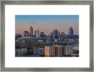 D9u-876 Cincinnati Ohio Skyline Photo Framed Print