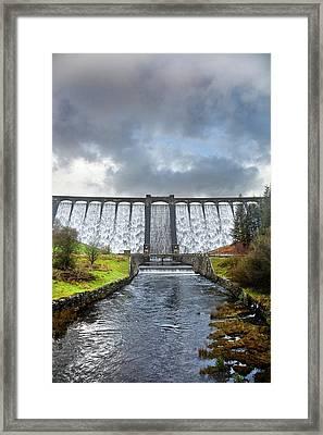 Claerwen Reservoir Dam Framed Print by Linda Wright