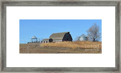 Classic Country Barn Framed Print by Renie Rutten