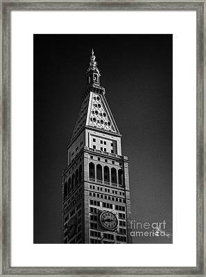 Close Up Of The Top Of The Metropolitan Life Insurance Company Tower And Clock Met Life New York  Framed Print