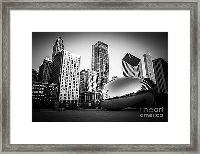 Cloud Gate Bean Chicago Skyline In Black And White Framed Print