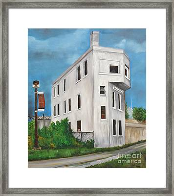 Cn Wellington Control Tower Framed Print by Reb Frost