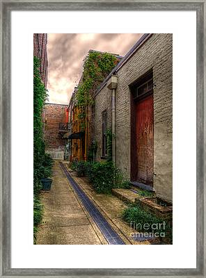 Framed Print featuring the photograph Coggin's Alley Way by Maddalena McDonald