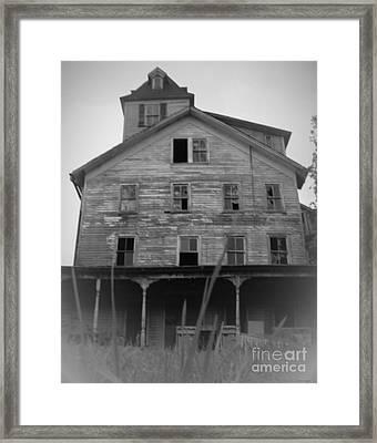 Cold Spring Hotel Framed Print