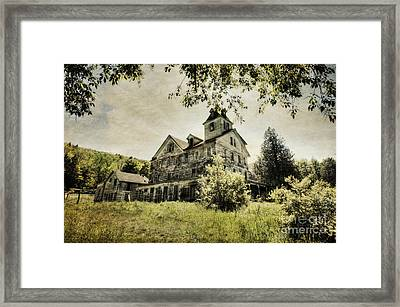 Framed Print featuring the photograph Cold Springs Hotel by Vicki DeVico