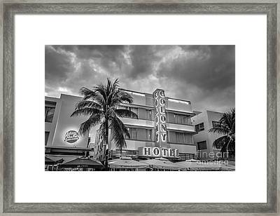 Colony And Johnny Rockets Art Deco District Sobe Miami - Black And White Framed Print by Ian Monk