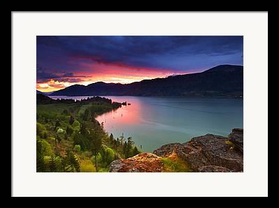 Hood River Oregon Framed Prints