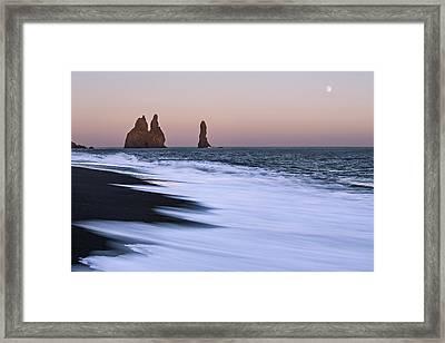 Come Ashore Framed Print by Jon Glaser