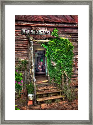 Sharecroppers Country Market Come Right In Framed Print by Reid Callaway
