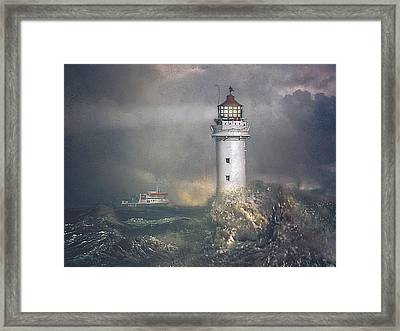 Framed Print featuring the photograph Coming Home by Brian Tarr