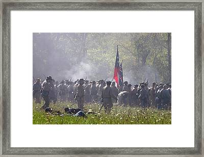 Confederate Army Engaged In Battle - Perryville Ky Framed Print