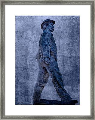 Confederate Soldier Statue Iv Alabama State Capitol Framed Print by Lesa Fine
