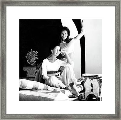 Contessa Consuelo Crespi With Her Daughter Framed Print