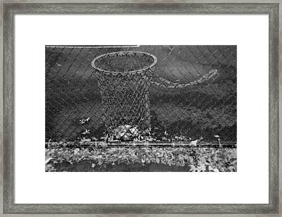 Court Trash In Black And White  Framed Print by Rob Hans