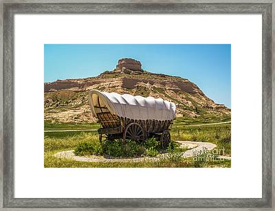 Framed Print featuring the photograph Covered Wagon At Scotts Bluff National Monument by Sue Smith