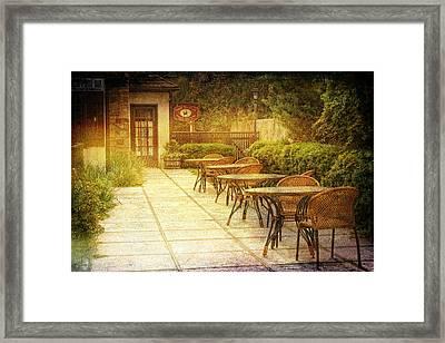 Cozy Cafe' Framed Print