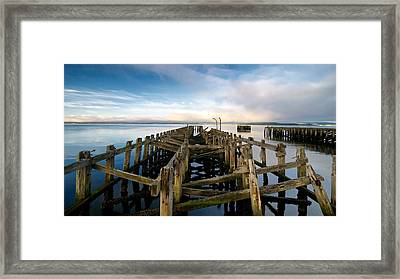 Framed Print featuring the photograph Craigendoran Pier by Stephen Taylor