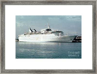 Cruise Ship Starward Photograph By Wernher Krutein - Starward cruise ship