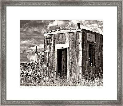 Cuervo Come On In 2 Framed Print by Lee Craig