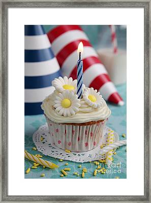 Cupcake With Flowers Framed Print by Isabel Poulin