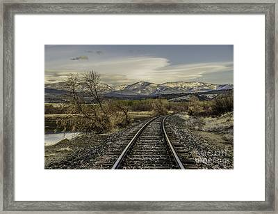 Framed Print featuring the photograph Curve In The Tracks by Sue Smith