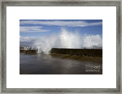 Da Wave Framed Print by Sharon Mau