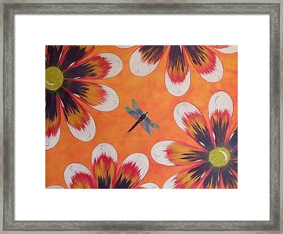 Daisy And Dragonfly Framed Print by Cindy Micklos