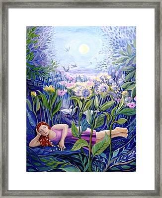 Daisy Chain Framed Print by Trudi Doyle
