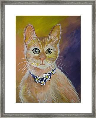 Daisy Framed Print by Leslie Manley