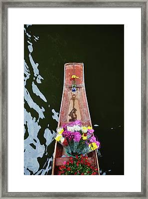 Damnoen Saduak Floating Market Framed Print by Keren Su