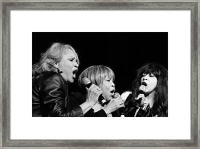 Darlene Mavis And Ronnie Framed Print by Thomas Leparskas