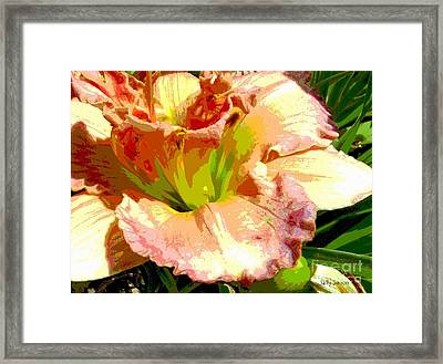 Framed Print featuring the photograph Daylily 1 by Sally Simon