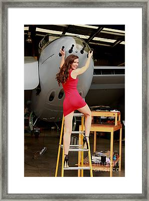de Havilland Mosquito 01 Framed Print by Gee Lyon