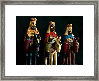 De Tierras Lejanas Framed Print