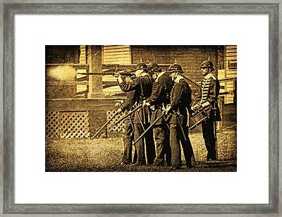 Defending Fort Mackinac Framed Print by Lincoln Rogers