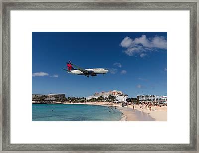 Delta 737 St. Maarten Landing Framed Print