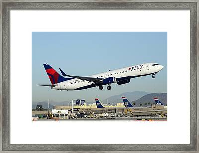 Delta Boeing 737-932 N822dn Phoenix Sky Harbor December 24 2014  Framed Print