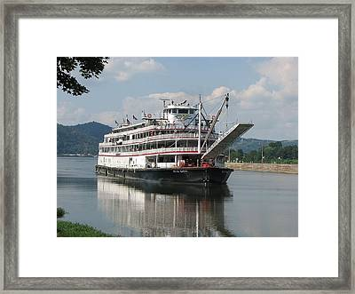 Delta Queen On Ohio River Framed Print by Willy  Nelson